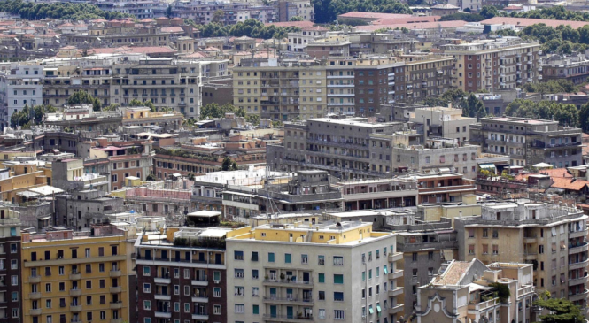 Imu e Tasi, stangata su Roma e i romani. La Capitale città più cara d'Italia