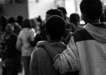 Tre ragazzi su cinque discriminati perché gay, nero o obeso