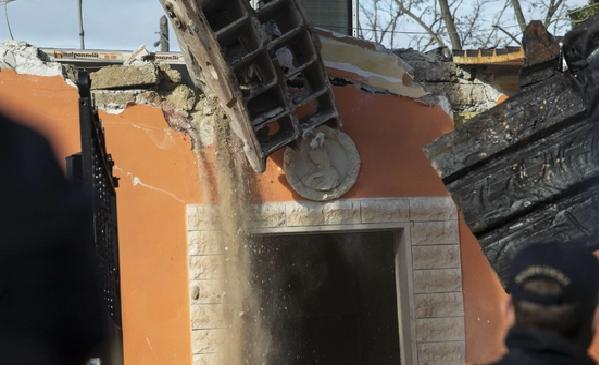 Cadono le ville abusive dei Casamonica al Quadraro